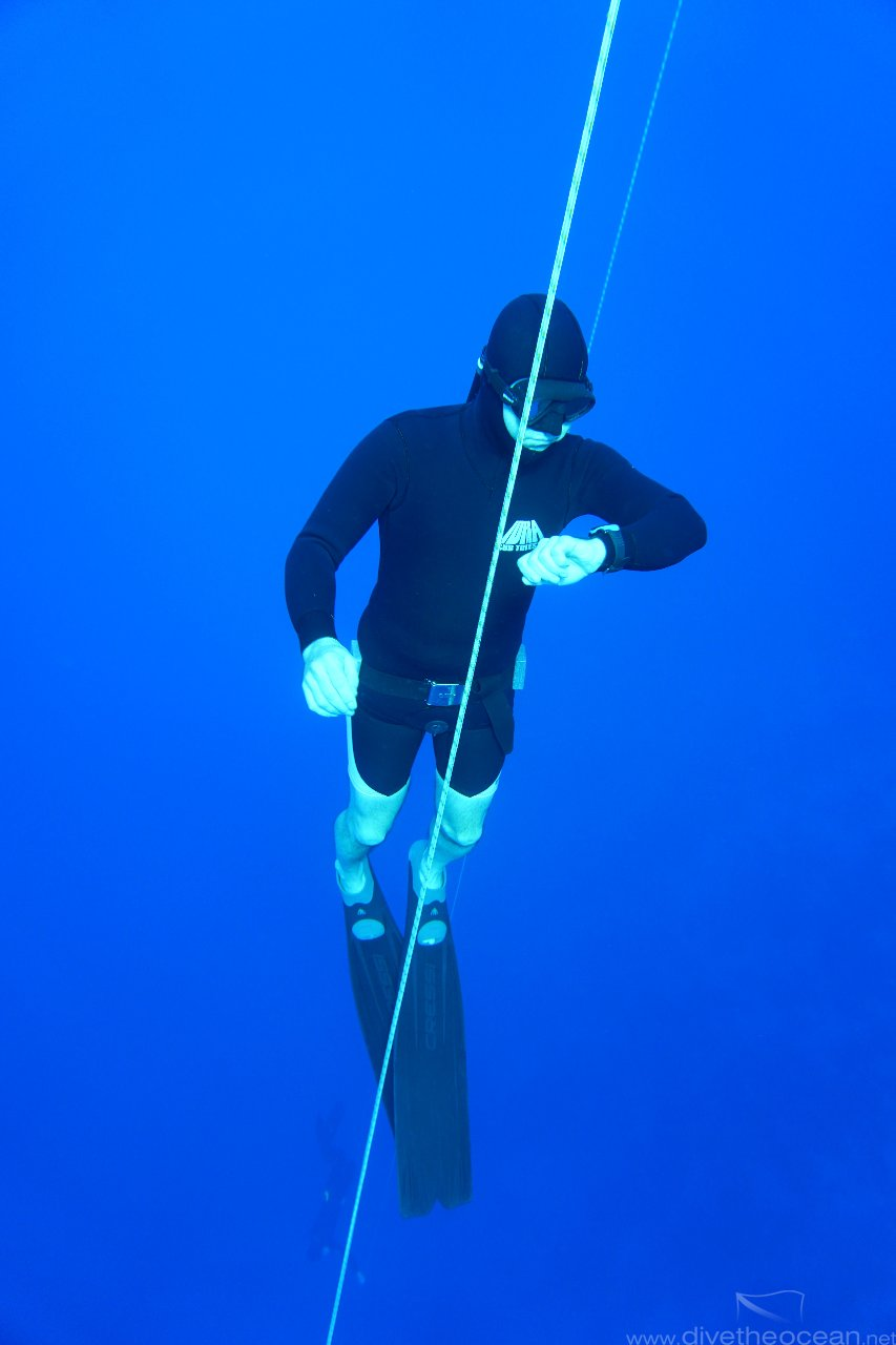Freediver waiting